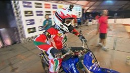 Joaninha dá show e vence Desafio Internacional de Motocross Estilo Livre