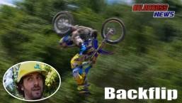 Manobra incrível do motocross – Backflip