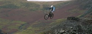 MTB Downhill Quarry Bombing – Four by Three