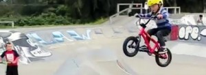 Twins of 4 years old riding BMX – Insane!